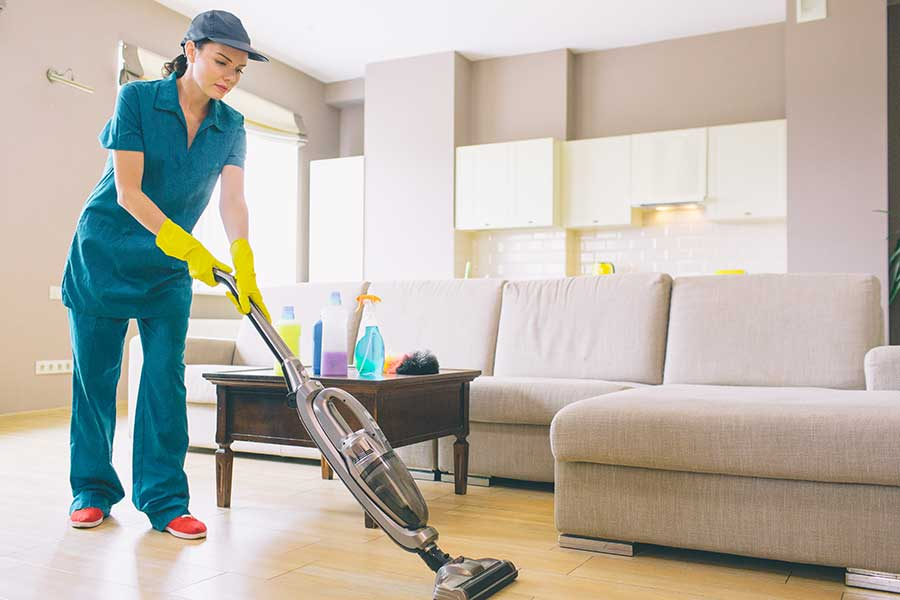 How much does it cost to hire a house cleaning service in Chicago?